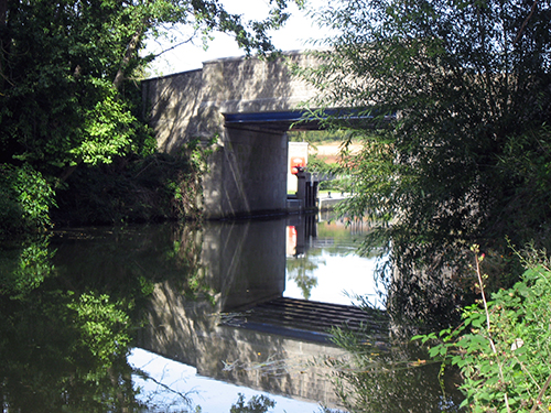 Hampstead Lane Bridge from upstream