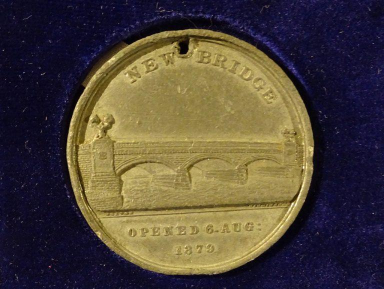 A commemorative medal