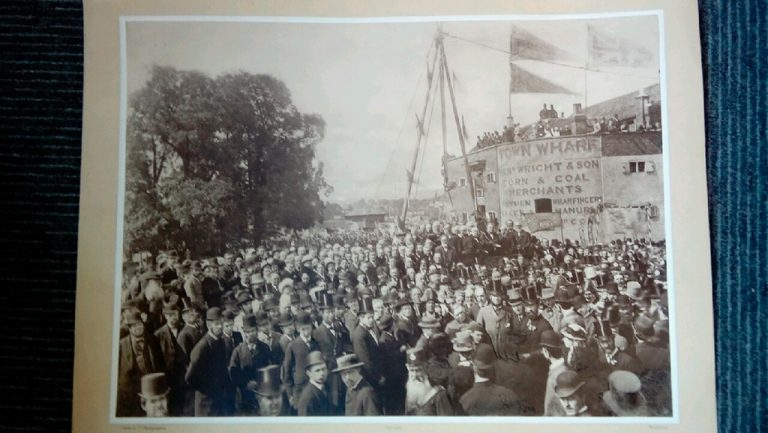 A photograph of the crowd at the opening of Maidstone Bridge