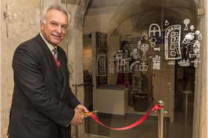 Russell Cooper opens exhib4 1